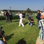 Steffen Göpel beim inoffiziellen ersten Schlag des Turniers