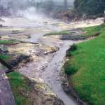 Fumarolen am Kratersee Lagoa das Furnas