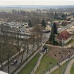 Blick auf den Serpentinenaufgang und das Besucherzentrum